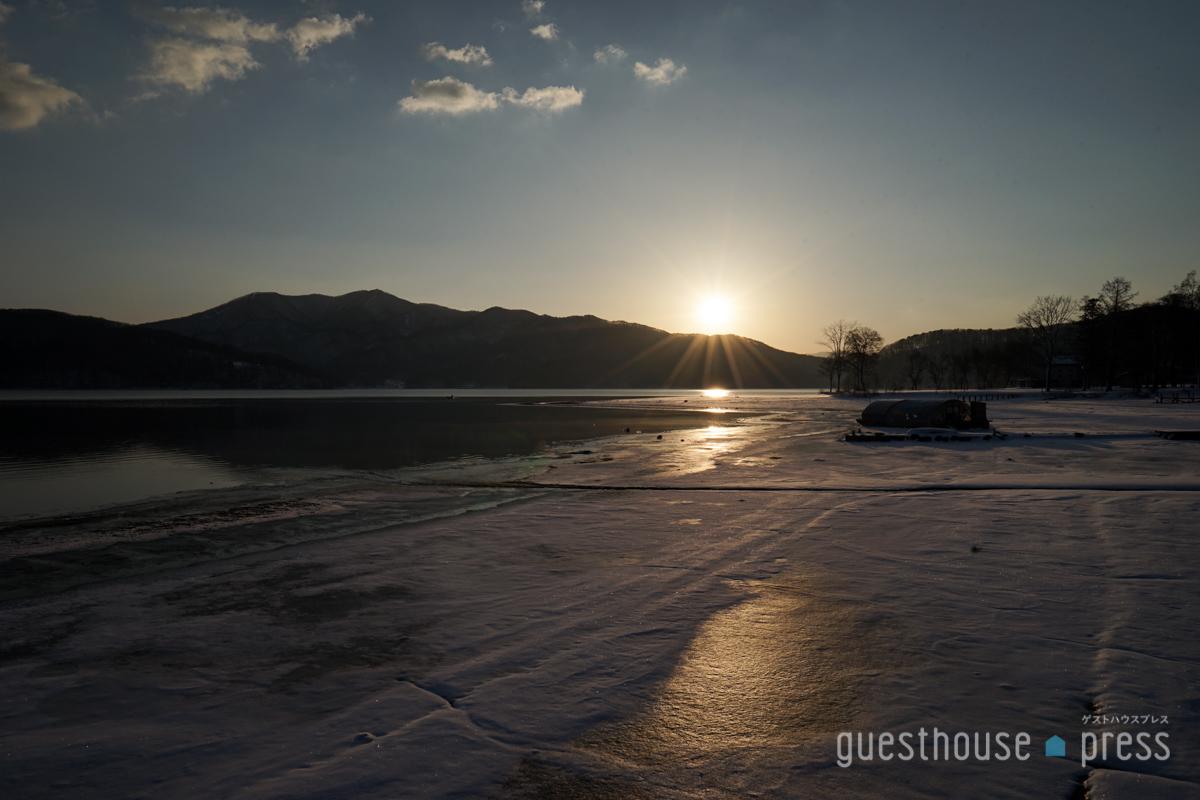 長野・野尻湖冬の朝